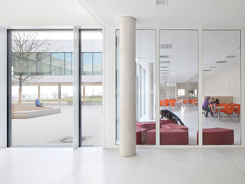 Architekten in Frankfurt finden Schulbau Kitabau
