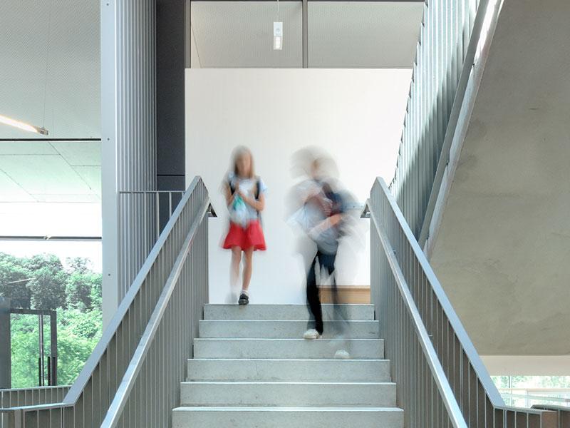 Architekt für Schule und Sporthalle finden