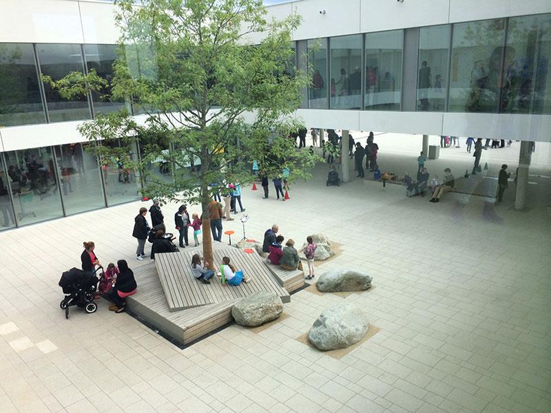 Welcher Architekt ist auf Schulen spezialisiert?