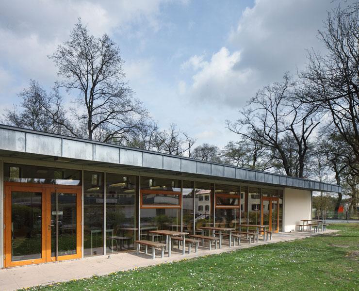 cafeteria der konrad-haenisch-schule